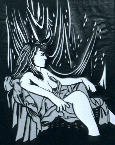 Vrouw naakt in stoel